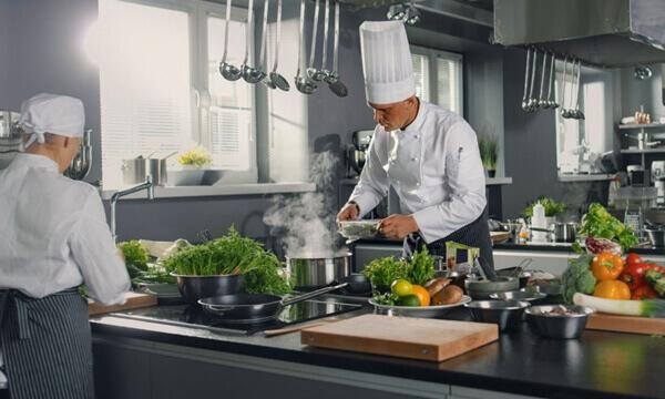 ¿Quieres ser cocinero profesional?